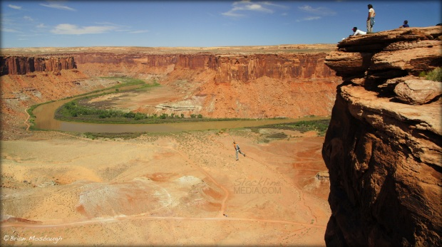 As the heat turns up a notch in the desert of Moab, so do the creative projects taking place! The brains behind this new innovative test-piece, a 1,600′ LONG ZIPLINE TO BASE JUMP, is Matt Hecker, who boasts a long history of completing all sorts of BIG rope swings, BASE projects and other exciting adventures with gravity. This man is a legend amongst the best with whom the Moab Monkeys will be collaborating with more and more on unique outdoor adventures and impressive rigging schemes in the future.