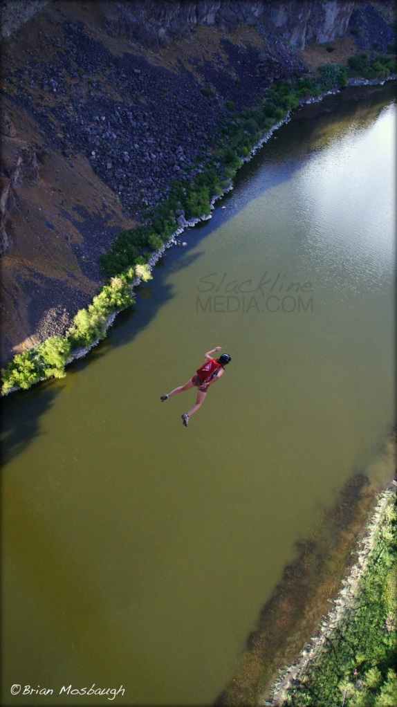 Amber Finley jumping from the Perrine Bridge
